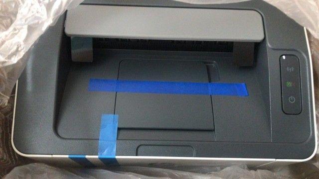 Impressora Hp 107w Com Wifi 110v Branca E Preta - Foto 2