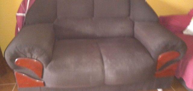 Vendo esse sofá de dois é três, bem conservado no valor de 700,00