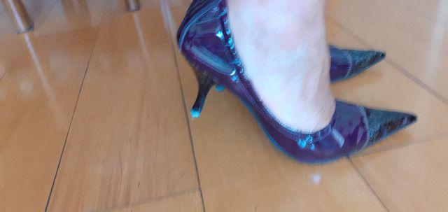 Sapato de salto com elástico  - Foto 3