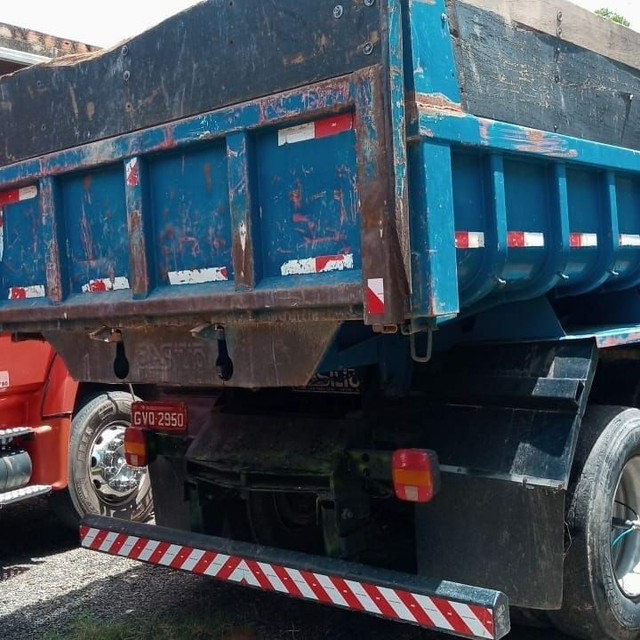 Caminhão caçamba  - Foto 4
