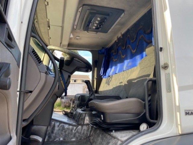Vw-24.280 ano:13,branco,bi-Truck 8x2,com carroceria de 9 mts,ótimo estado. - Foto 13