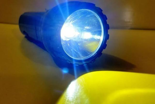 Lanterna Recarregavel 1 Led Mini Pequena Sq 3060 De Mao