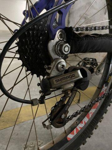 Bicicleta aro 26 semi nova - Foto 4
