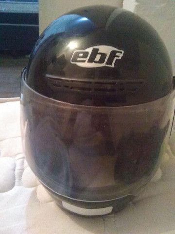 Vende se capacete Tam 56 pra hoje