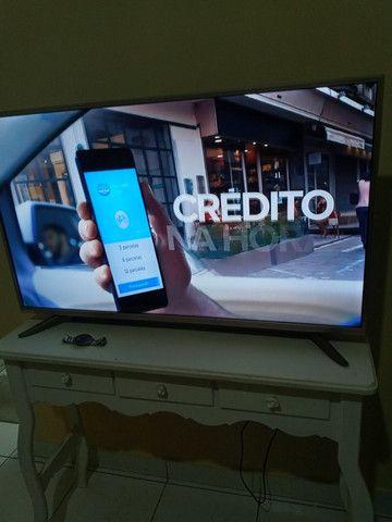 Tv smarte 46 polegada semi nova  - Foto 4