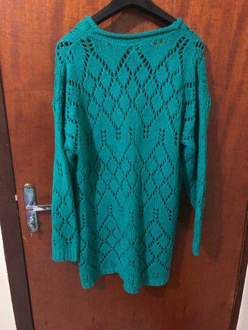 Blusa feminina comprida verde - Foto 2