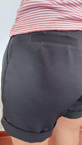 Calça jeans Siberian, blusa tricô preta, bermuda alfaiataria, camiseta forever 21  - Foto 3