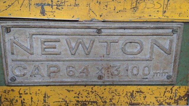 Guilhotina Newton 6,4 x 3100