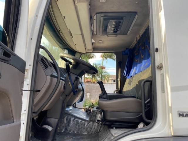 Vw-24.280 ano:13,branco,bi-Truck 8x2,com carroceria de 9 mts,ótimo estado. - Foto 16