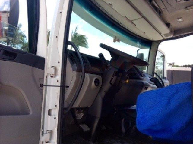 Vw-24.250 ano:11/12,branco,bi-truck 8x2,com carroceria de 9 mts,ótimo estado. - Foto 17