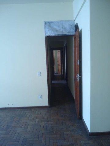 Apartamento Amplo 3 Dormitórios Sendo Uma Suíte - Foto 2