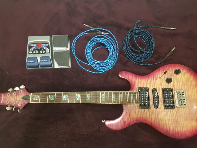 Kit Guitarra Strinberg e Pedaleira Digitech Rp80