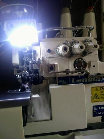 Máquina de costura- overloque