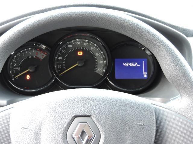 Renault Logan Expression 1.6 completo prata - apenas 43.500 km - Foto 6