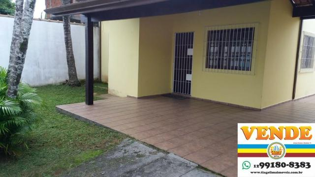 Casa com Piscina   03 Dormitórios   Churrasqueira   Edícula   Caraguatatuba   400 Mil