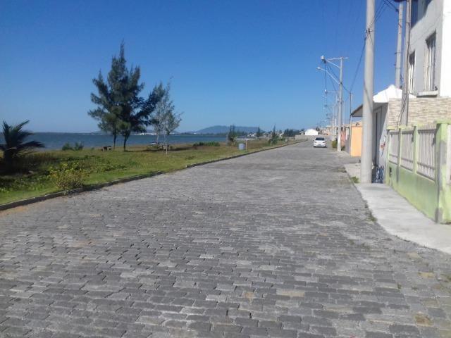 Mota Imóveis - Tem em Arraial do Cabo Terreno com Construção Casa em Condomínio - TE-113 - Foto 2