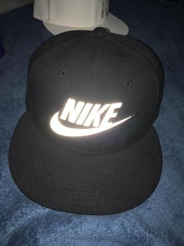 Boné Nike Snapback preto - Bijouterias a7896df4b28