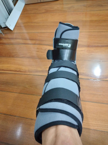 Bota ortopédica robofoot salvapé usada (robocop) - Foto 2