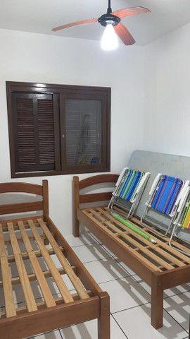 Apartamento dois dormitórios  com garagem totalmente  imobiliado e ar condicionado - Foto 6