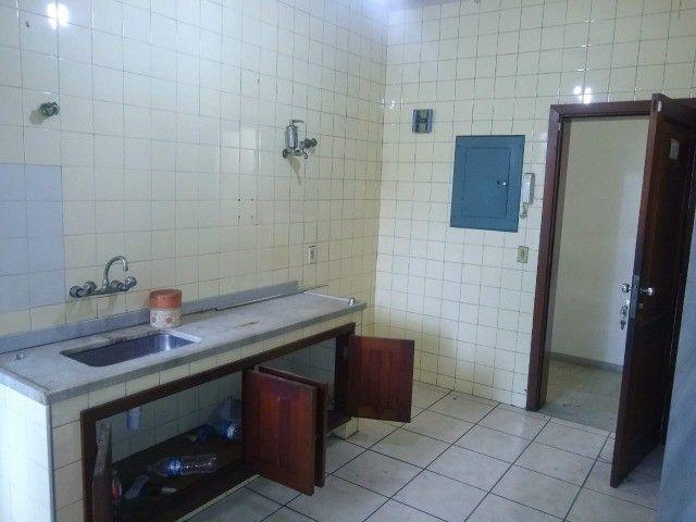 Apartamento Amplo 3 Dormitórios Sendo Uma Suíte - Foto 5