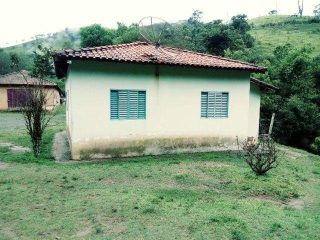Chácara contendo casa e galpão em Delfim Moreira- Sul de Minas Gerais. - Foto 4