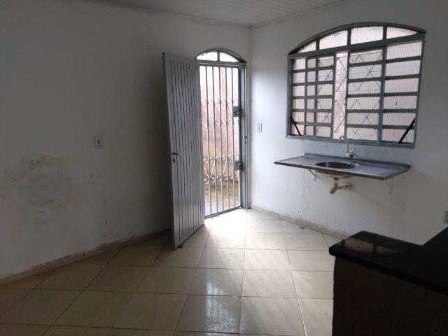 Casa 2 qtos, Jardim Zuleika, Rua Lorena, QD 15 , escriturado o terreno 300m² - Foto 2