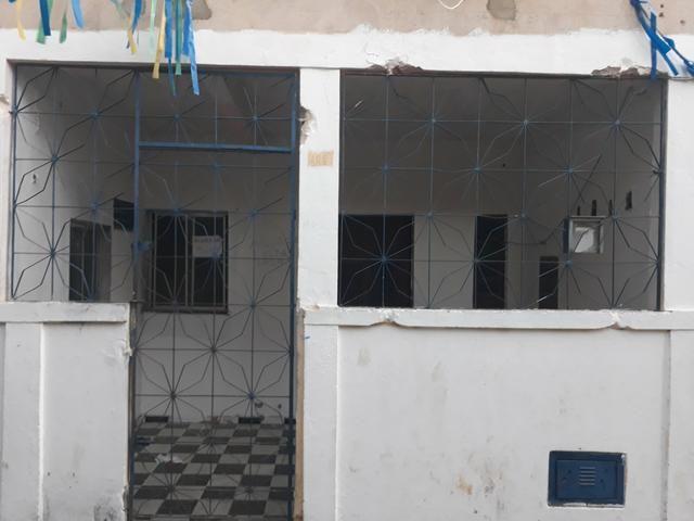 Alugo casa em Salvador próximo estação Pirajá