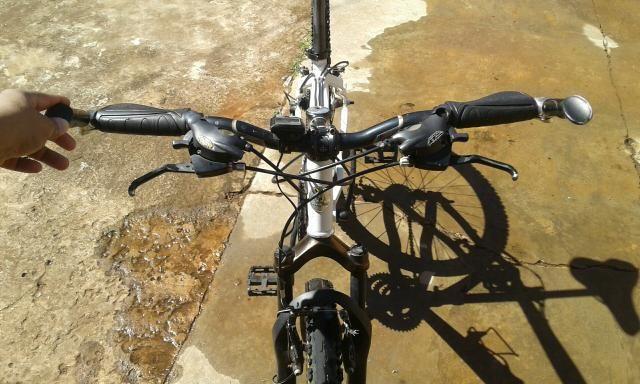 Bicicleta aro 26 quadro AEROTECH