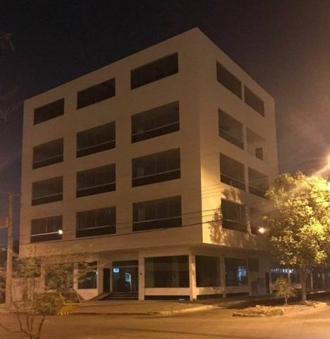 Prédio comercial com 2.486 m² c/ elevador na 104 Sul