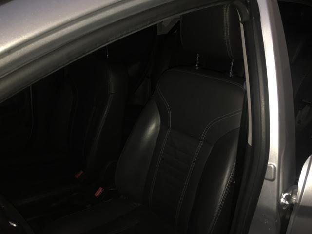 New Fiesta hatch Titanium automático com gnv 5 geração preço real - Foto 12
