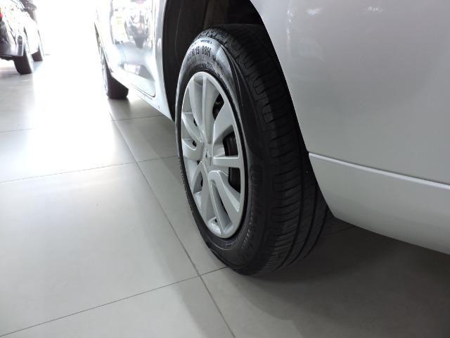 Renault Logan Expression 1.6 completo prata - apenas 43.500 km - Foto 9