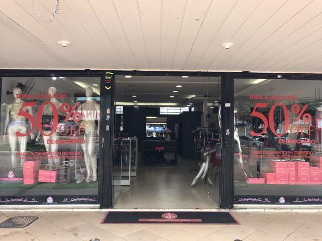 Vendo ótimo estoque e instalações de Boutique de excelente gosto!!!