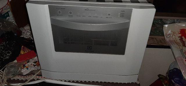 Maquina lavar louças Electrolux Bluetouch seminova - Foto 3