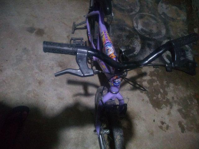 Bicicleta feminina semi nova,,só pegar e andar,,zap * - Foto 4