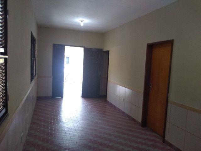 Casa com dois quartos e dois banheiros próximo ao supermercado Ofertão Max - Foto 3