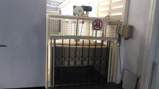 Elevador de Carga 2.000 kg com estrutura - Foto 4