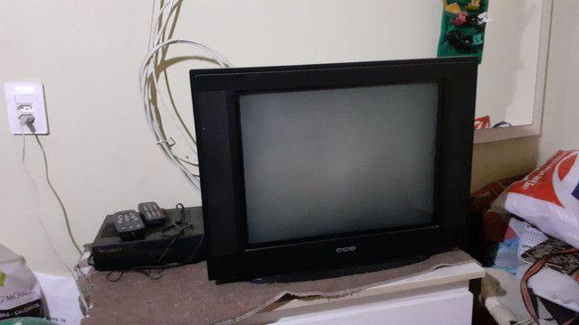 TV de tubo e receptor analogico