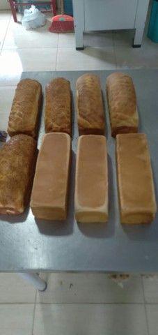 Trabalhamos com vários tipos de pães  - Foto 3