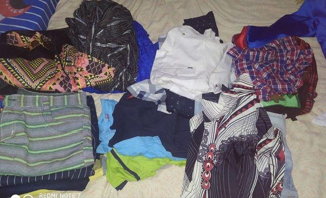 Vendo todas essas roupas sendo q  tem novo e usado - Foto 3