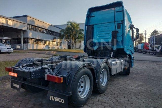 Iveco Hi Way 600S44 6X2, ano 2018/2019 - Foto 6