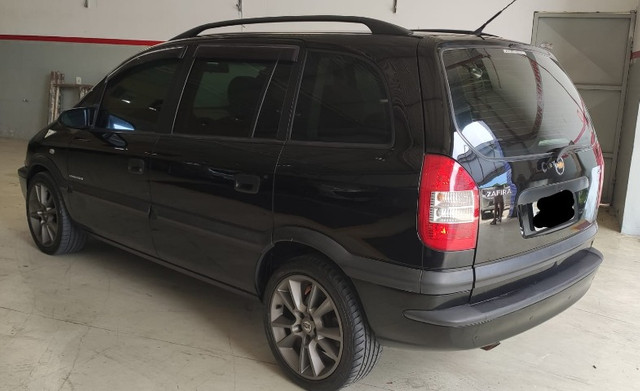 Chevrolet Zafira Expression 2.0 Automático 2011 - Foto 3