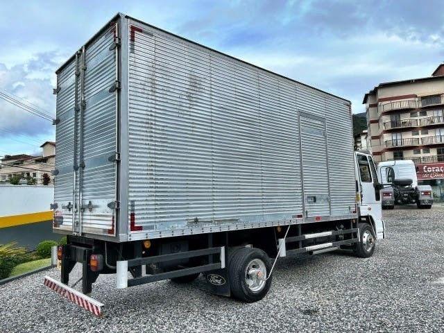 Caminhão FORD Modelo: CARGO 1119 Ano  fabricação : 2014 Ano Modelo: 2015  - Foto 3