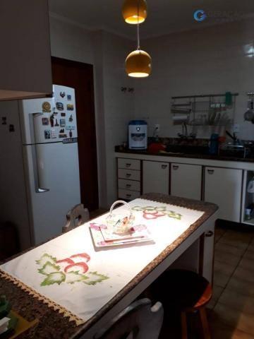 3 dormitórios amplos com armários planejados todos com sacada sendo 01 suíte com ar condic - Foto 3