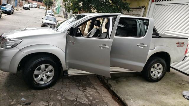 Toyota Hylux CD 3.0 SR 4 x 4, Ano 2013, Òtimo Estado, Aceito Troca - Foto 8