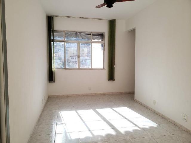 Apartamento 2 Quartos muito bem localizado Largo do Bicão na Vila da Penha