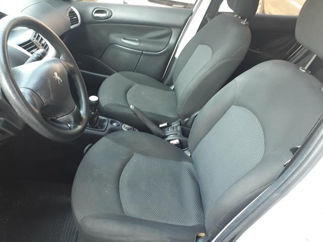 Peugeot 207 2012 / 2012 xr 1.4 completo. aceito carta. financio ate 48 x - Foto 6
