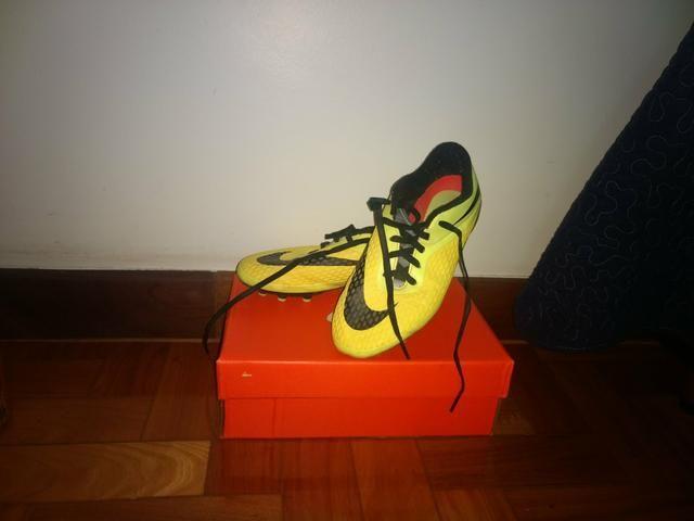 2a19ddee9a995 Chuteira de Campo Nike Hypervenom Tamanho 36 Usada - Esportes e ...