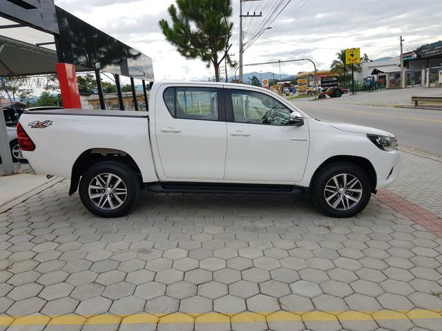 Hilux SRV 2016 Único Dono Rodas SRX 2.8 Automática 4x4 pneus Novos - Foto 10