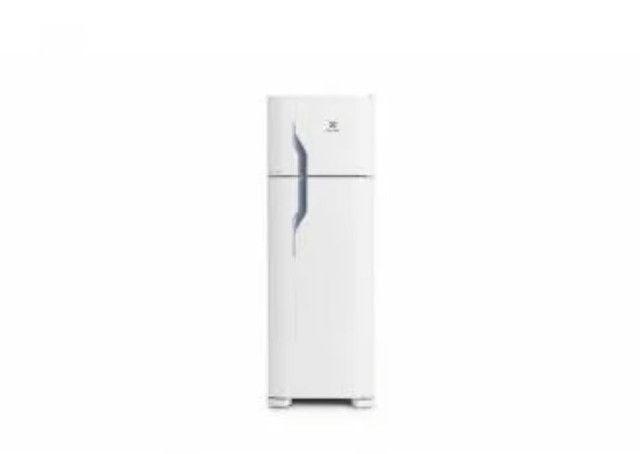 GeladeiraRefrigerador Cycle Defrost Electrolux Branco 260 Litros 110V - Foto 2