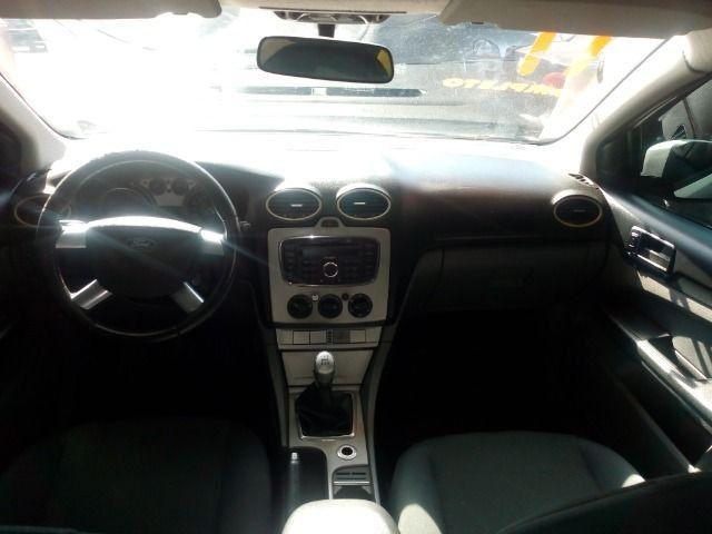 Ford Focus 1.6 Completo + Gnv ent + 48 x 530,00 1º parcela por conta da loja - Foto 7